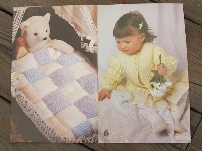 Patons Baby Talk knitting patterns / Patons Behive 463 / baby blanket pattern /