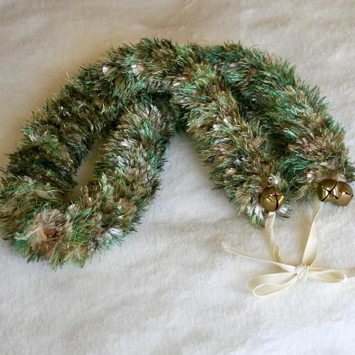 Green Jingle Bell Hawaiian Lei