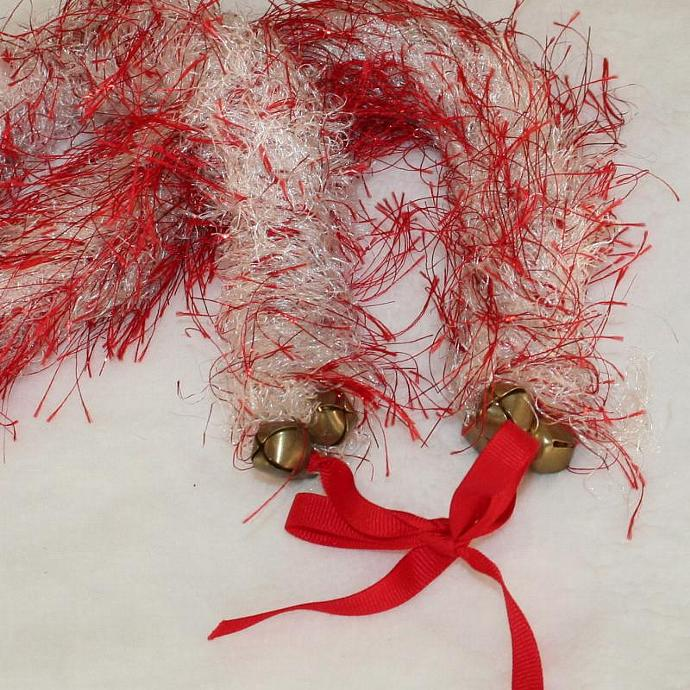 Red & White Jingle Bell Hawaiian Lei