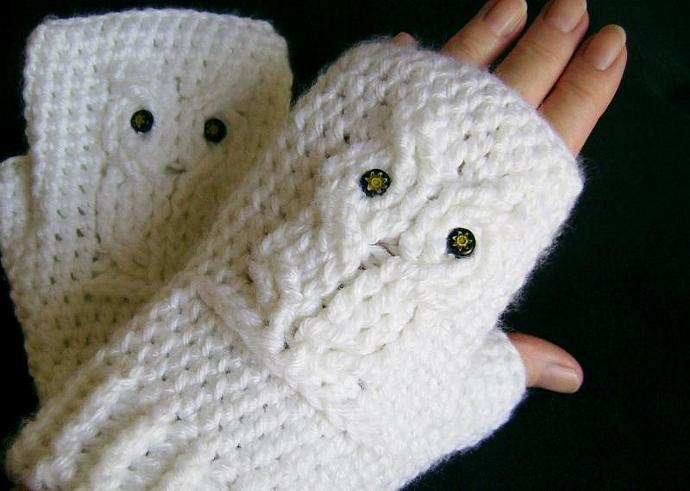 White Owl Crocheted Fingerless Gloves By Customcrochet On Zibbet