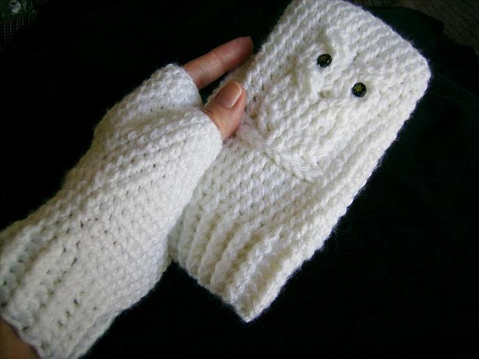White Owl Crocheted Fingerless Gloves, Mitts, Mittens, Wristwarmers