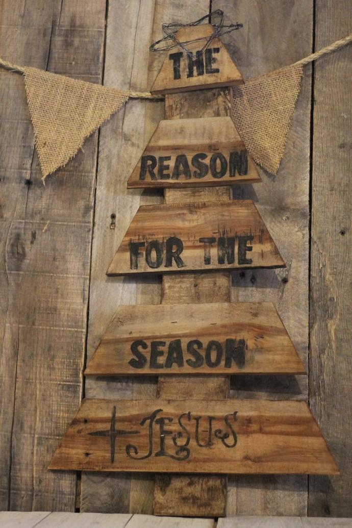 Reclaimed Wood Pallet Christmas Tree By Littleredhenandco