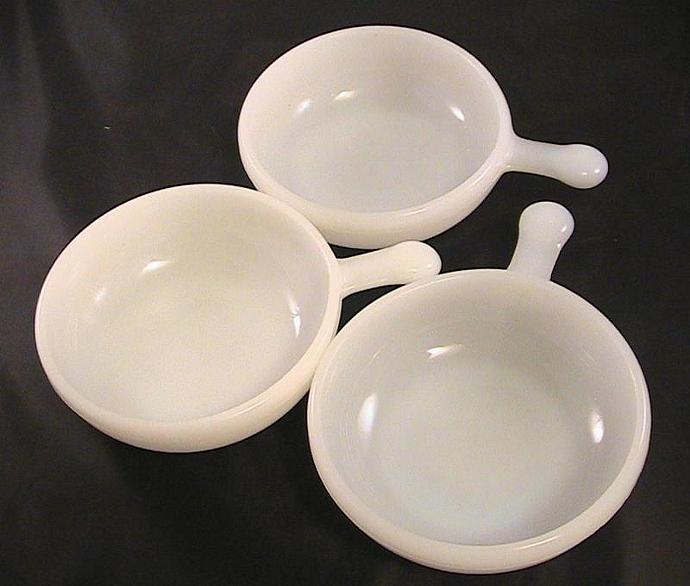 Vintage Glasbake Milk Glass Chili Bowls/Ramekins | juliew8