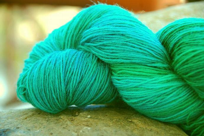 handdyed yarn - wool/silk/bamboo - 100g - fingering weight - Colour 43