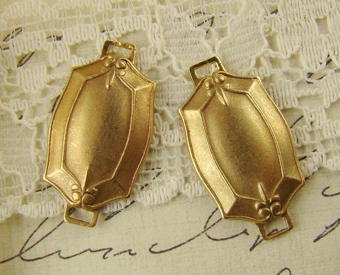 Edwardian Style Links Connectors Brass Stampings fleur de lis 25x13mm - 4