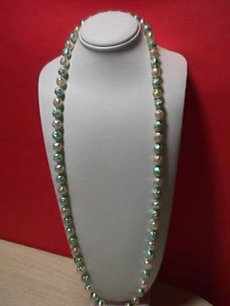 Vintage - Carved Beads Mint and White Necklace 1950s