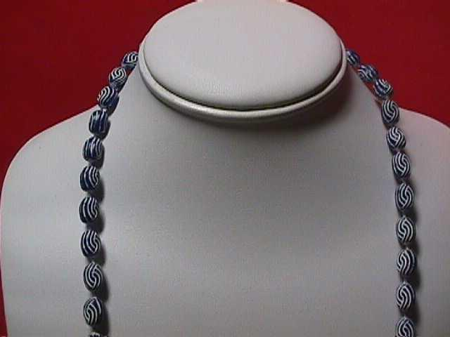 Vintage - Carved White and Navy Bead Necklace 1960s