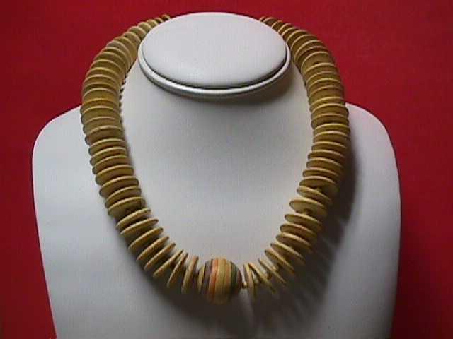 Vintage - Unique Handcrafted Wood Necklace 1970s