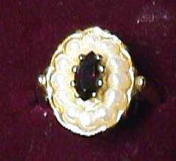 Vintage - Avon Gold Pearls Ruby Ring