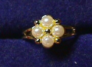 Vintage - Stunning Pearl Gold Cluster Ring Adjustable