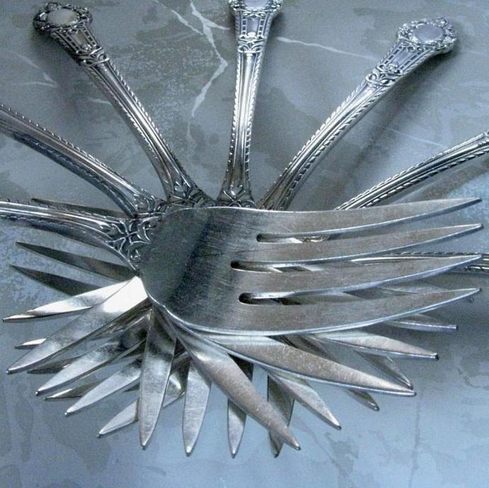 Salad or Dessert Forks Set of Four 1938 Community Plate Antique Silver Plate,