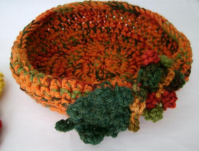 Holiday, Thanksgiving, Fall, Autumn Centerpiece, Bowl, Pumpkins and Leaves for
