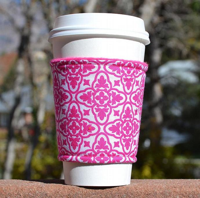 Coffee cozy / coffee sleeve -- Fuchsia Damask