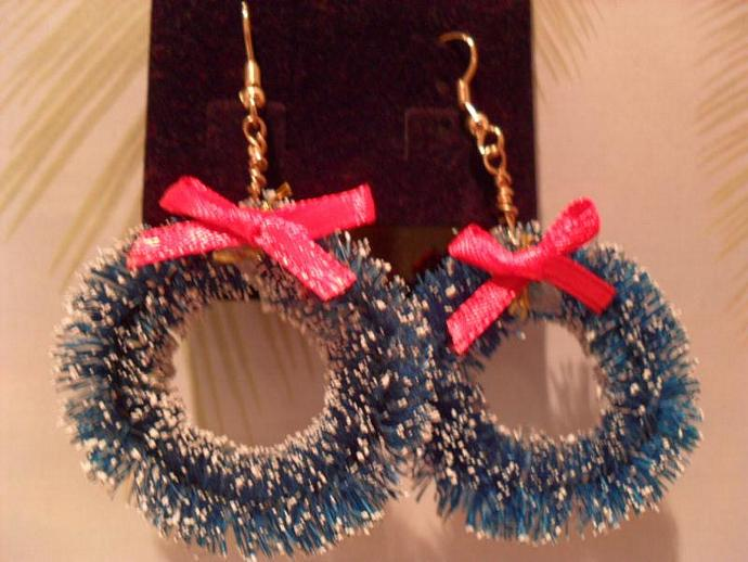 Christmas Earrings Green Wreath By Ohedith On Zibbet