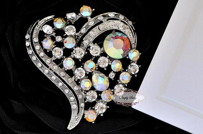 RD166 Brooch Pin Heart Shaped Rhinestone Crystal Embellishment Brooch Broach