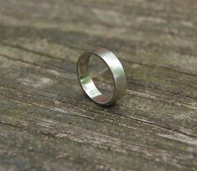 White Gold Hammered Wedding Band Set