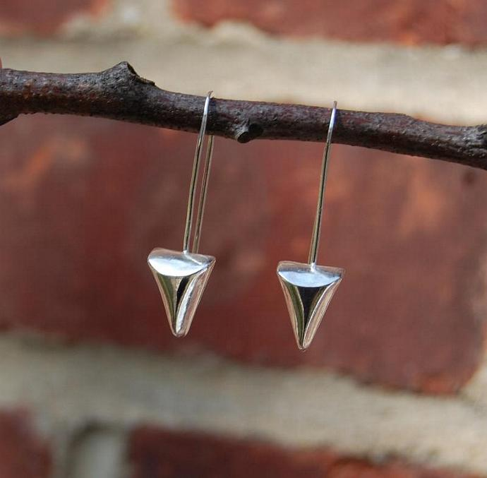 Shiny Triangle earrings