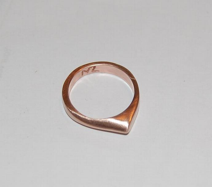 10kt Rose Gold Stackable point band ring