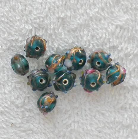 10 old teal and gold pink flower 8-10 mm. glass lamp work beads S93