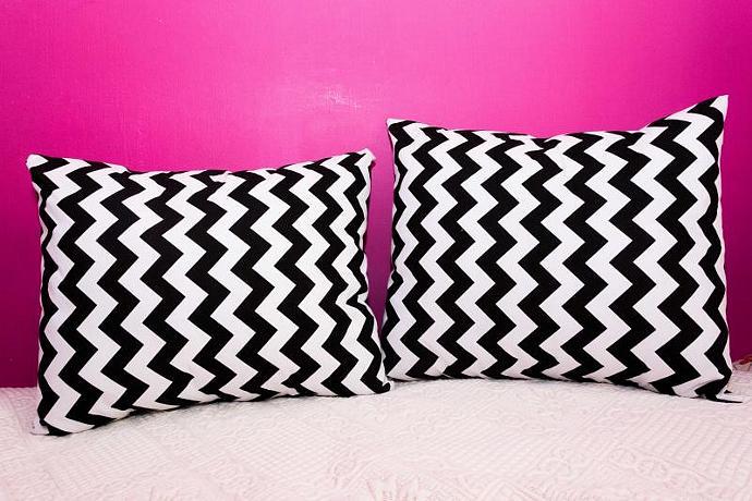 Set of 2 Chevron Zig Zag Black and White - Envelope Pillows 20x20 Inch