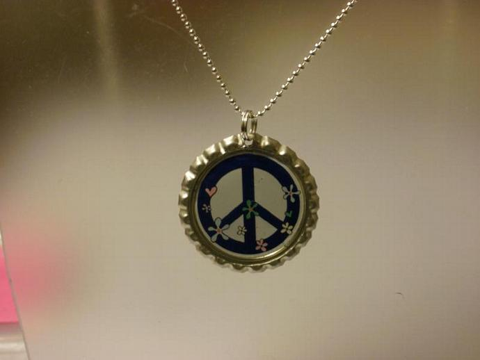 Peace Sign in blue flattened bottle cap (Z105)