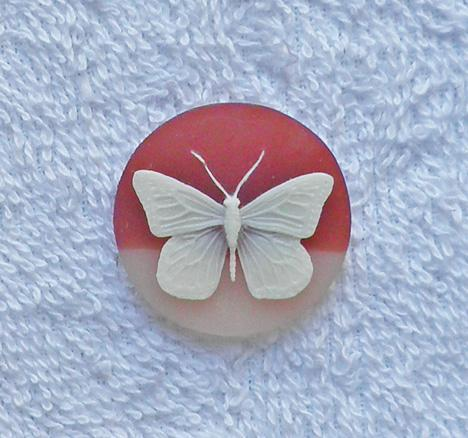 1 carnelian and beige 30 mm. round acrylic butterfly cameo S60