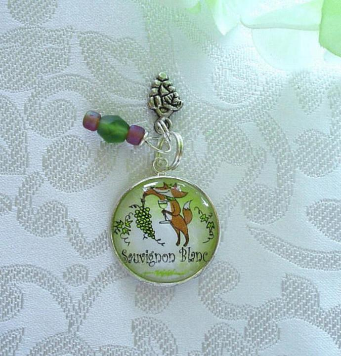 Fox with White Wine and Grapes Charm - Sauvignon Blanc