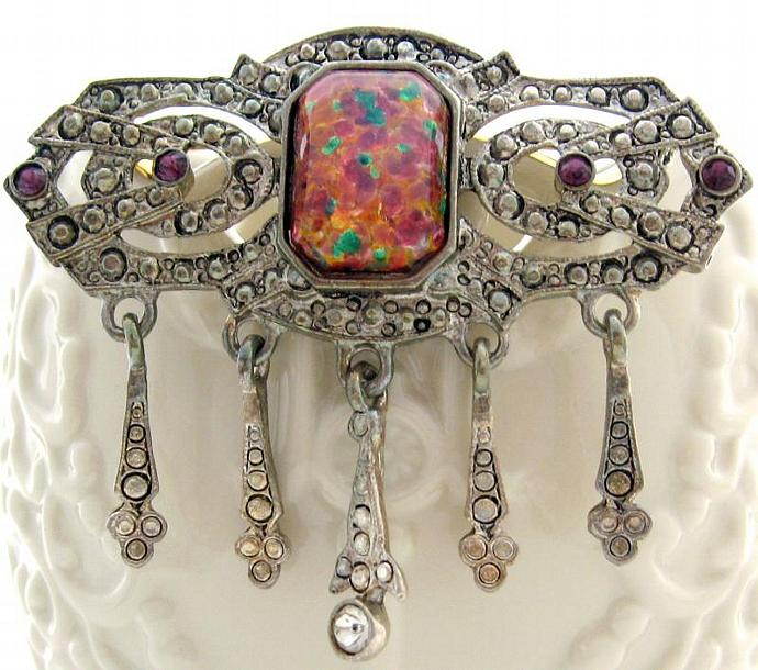 Elegant Vintage Victorian Deco Style Brooch Harlequin Glass Opal & Silver Tone