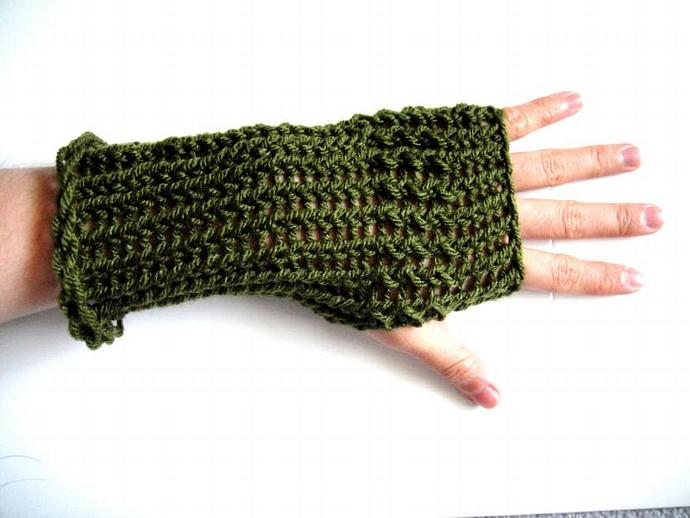 Knitted Fingerless Gloves in Natural Forest Colors - Reversible Gloves - Hand