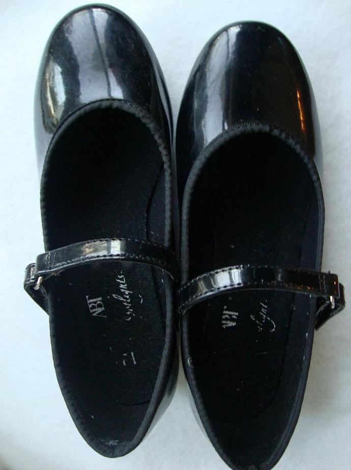 tap shoes for dancing feet