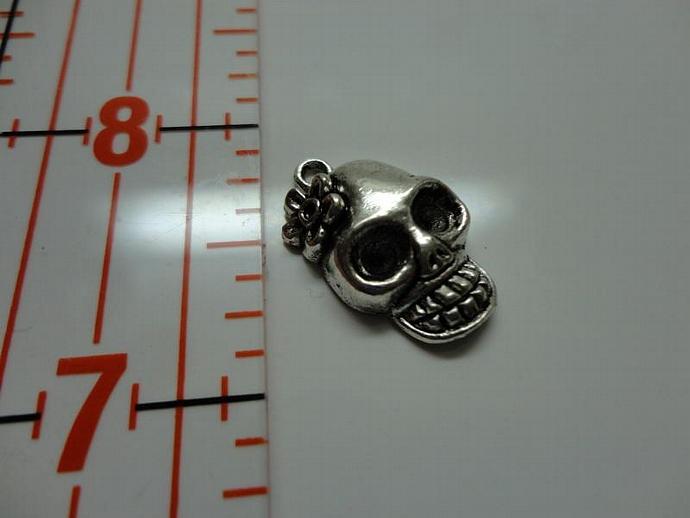 Skull Charm - Silver