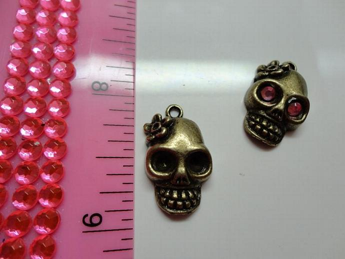 Skull Charm - Bronze