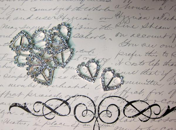 5 Rhinestone Heart Buckles - 21mm Silver