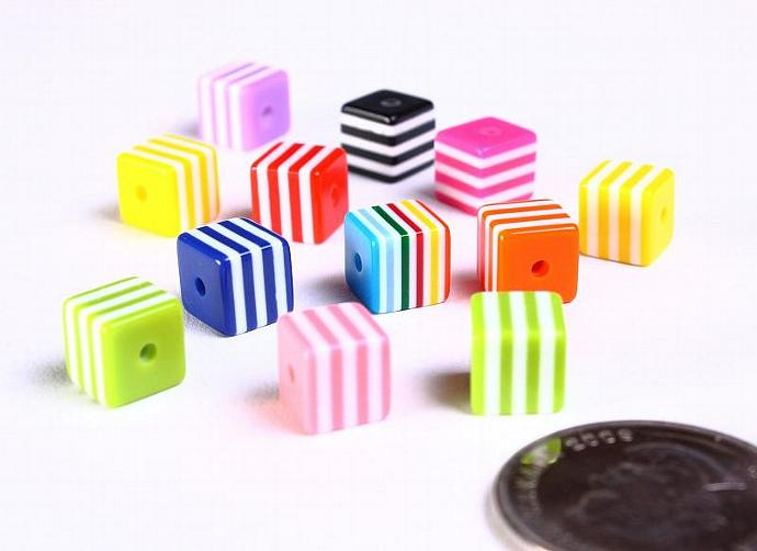 12pc 8mm mixed color striped acrylic resin square beads 12 (887)