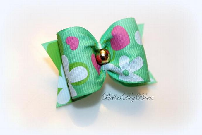 """1"""" Valentines Day Bow. Green Grosgrain with Golden Bead"""