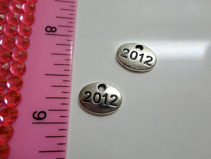2012 Charm Oval #002 - Silver