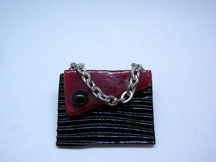 Mini Handbag / Purse Brooch in Black and Red, Brooch / Pin. Handmade by