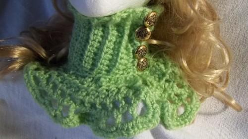 Hat and Cowl  Ensemble in Pale Green With 4 Gold B uttons