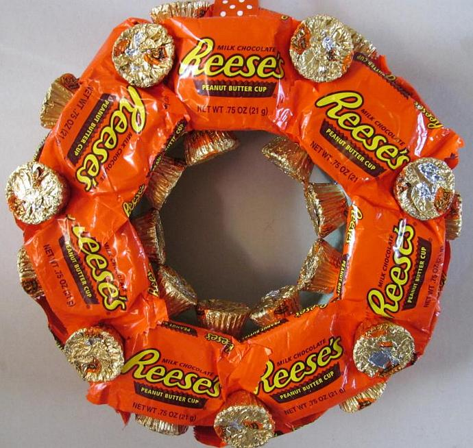 Reese's Peanut Butter Cup Wreath - Snack Size, Minis, Chocolate, Candy, Gift,