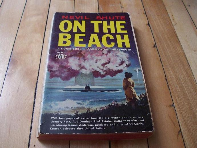 NEVIL SHUTE On the Beach 1960 Signet Fiction Paperback Complete & Unabridged pb