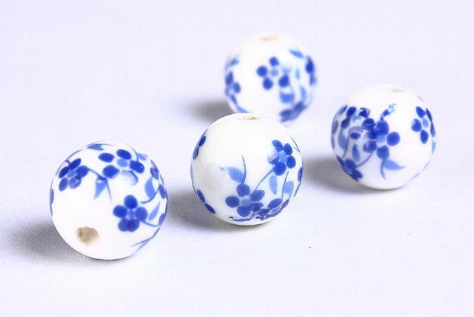 6 Blue white flower porcelain round bead 6pcs 12mm (908)