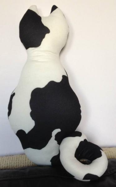 Moo Cat Curly Tail