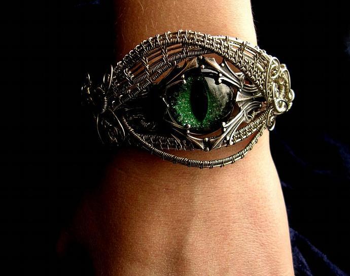 Evil eye bracelet celebrity baby