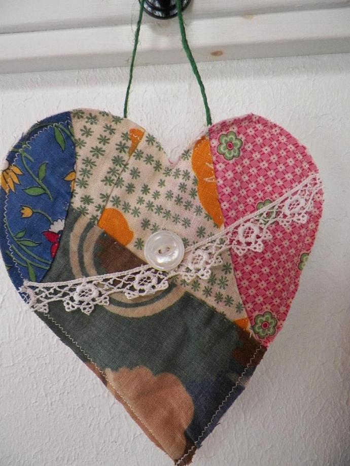 Hanging Prim Quilt Heart
