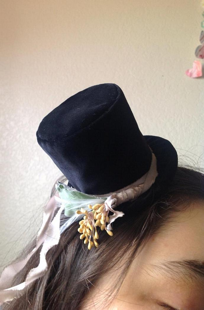 5d9beb5f60bbcf Victorian Tiny Top-hat SteamPunk Mini Black Velvet Top Hat Handmade Gothic