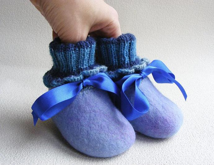 Baby booties, felted knitted slippers, knit felt, home house shoes, boy's,