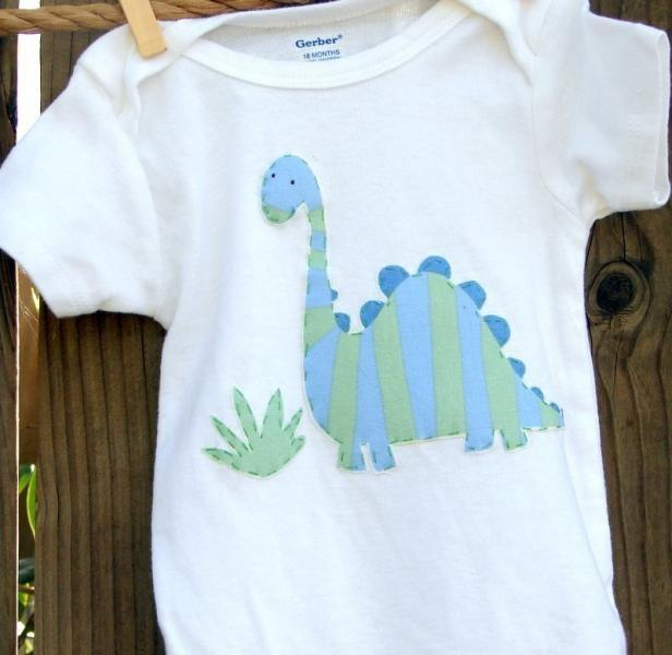 Dinos handmade lounge set.....cuffed pants with applique top/bodysuit for little