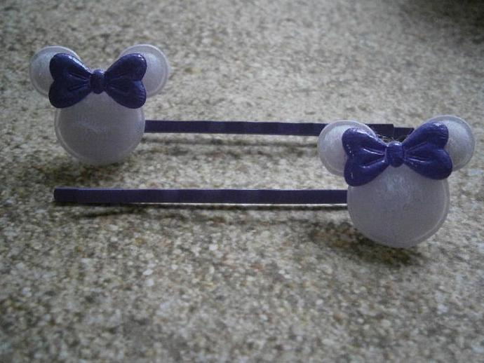 White Minnie Mouse w/ Shiny Purple Bow Bobby Pins B12