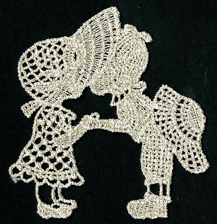 3 inch Kissing Kids Venice Applique - Vintage Gold