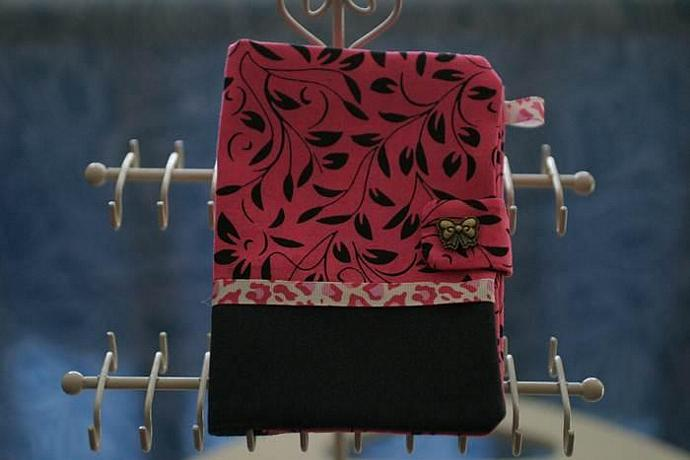 Passport Holder - fuschia wtih bow snap button